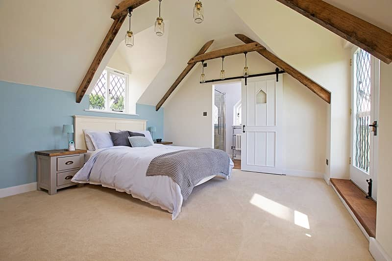 Bringing a 17th century cottage into the 20th century